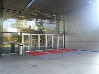 Entrance_bmw_welt